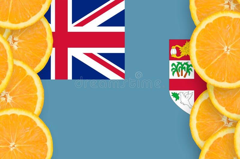Флаг Фиджи в рамке кусков цитрусовых фруктов вертикальной иллюстрация вектора