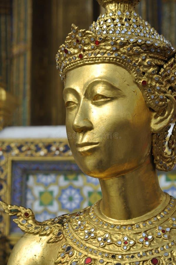 Фланк Таиланда модели стороны скульптуры золота стоковые фото