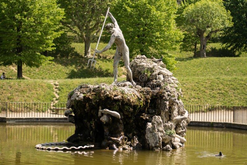 Флоренс, Италия - 23-ье апреля 2018: фонтан Neptune's в садах Boboli стоковое фото rf