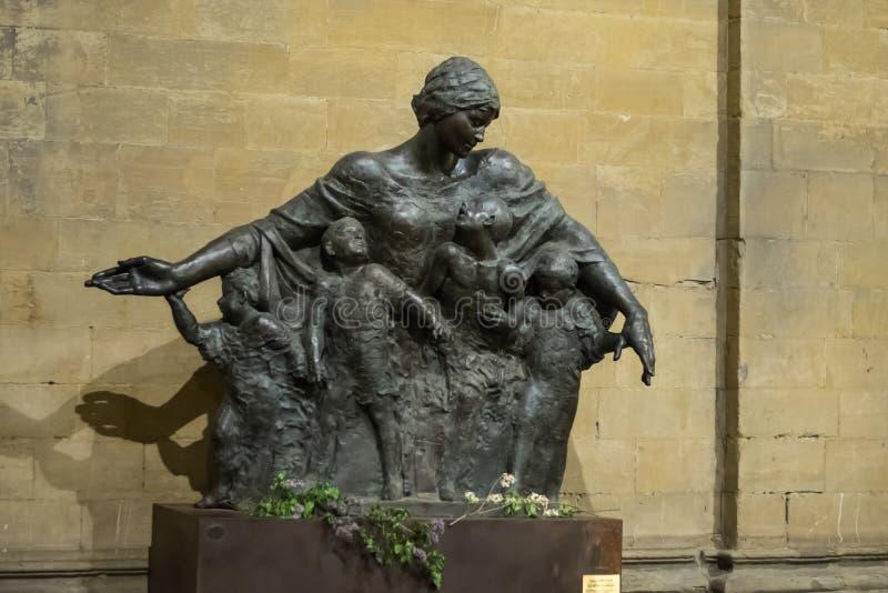 Флоренс, Италия - 23-ье апреля 2018: ` Arménie Mère d Ла скульптором Vighen Avetis стоковые изображения rf