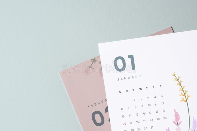Флористический модель-макет шаблона календаря с космосом дизайна стоковое изображение rf