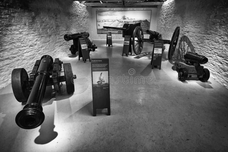 Фолмут, Корнуолл, Великобритания - 12-ое апреля 2018: Нескольк антиквариат исторический стоковое изображение