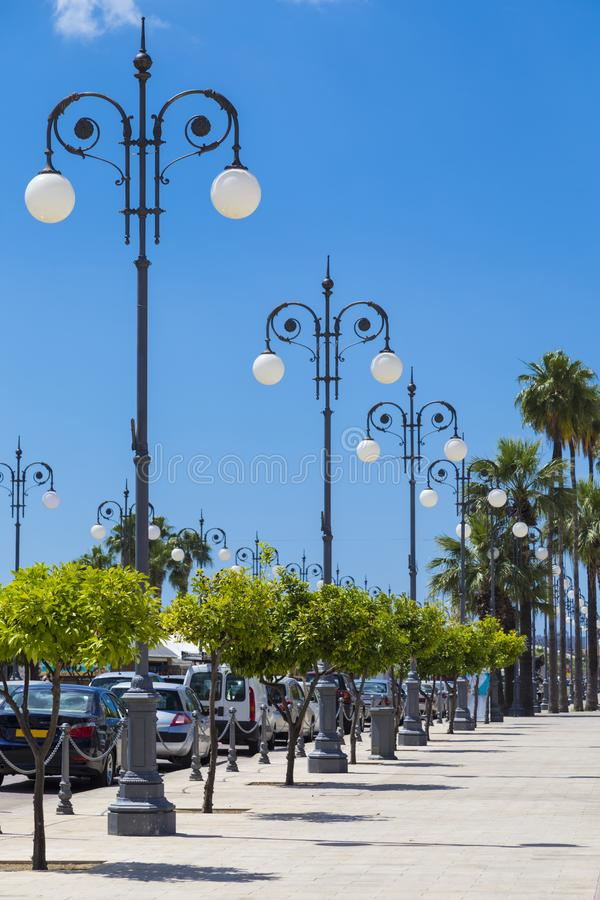Фонарики на набережной Ларнаки, Кипре стоковое фото rf