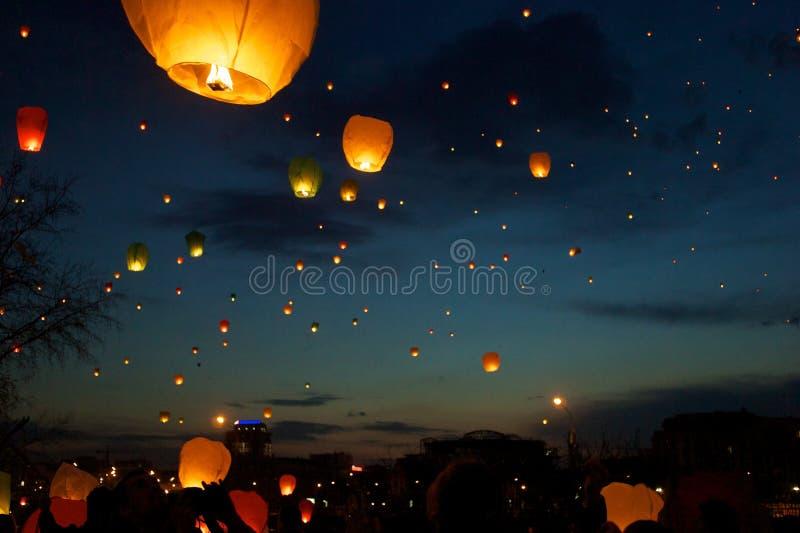 Фонарики неба fest стоковое фото rf