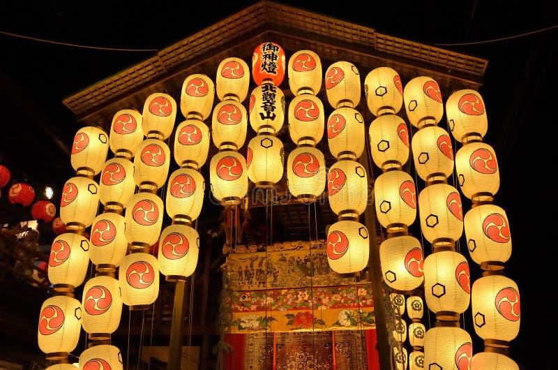 Фонарики ночи фестиваля Gion, Киото Япония стоковая фотография rf