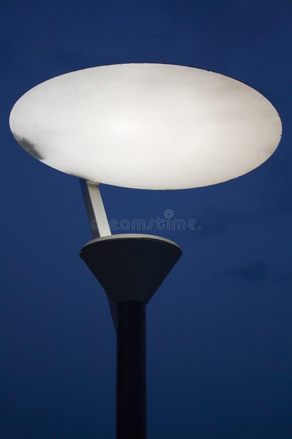 Download Фонарный столб улицы стоковое изображение. изображение насчитывающей конспектов - 33729169