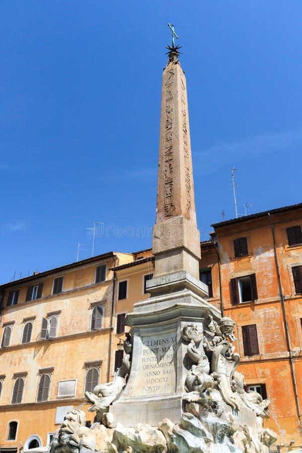 Фонтана del Пантеон стоковое изображение rf