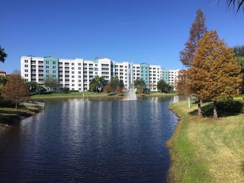 Фонтаны, курорт голубого зеленого цвета, Орландо, Флорида стоковые фотографии rf