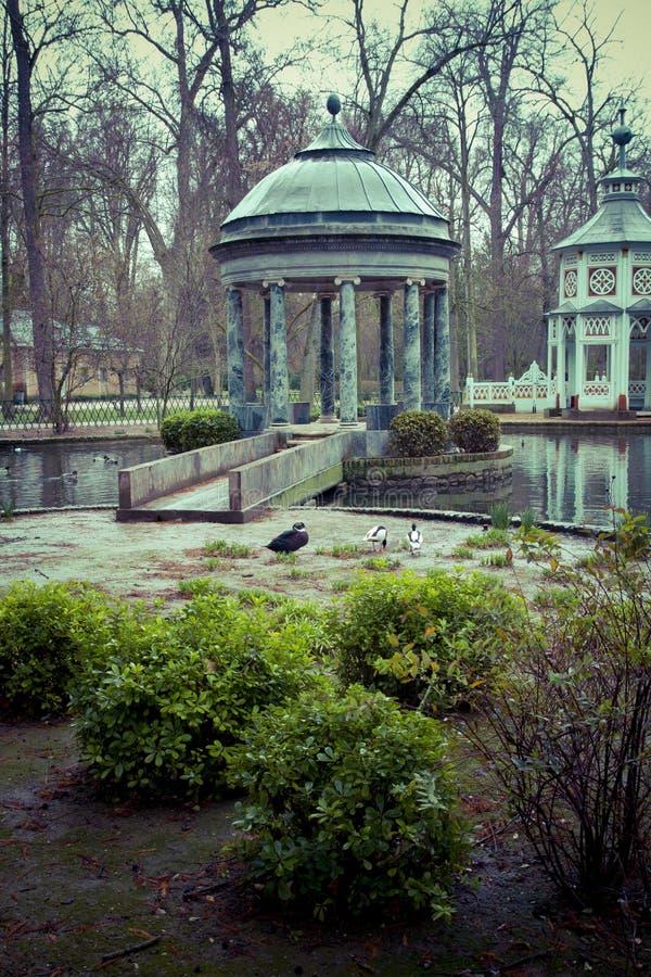 Download Фонтаны Chinoiserie.Ornamental дворца Аранхуэса, Madr Стоковое Фото - изображение насчитывающей ведущего, дом: 37926876