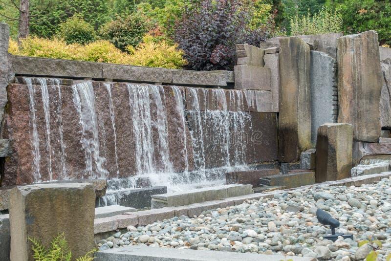 Фонтан 9 водопада стоковое изображение rf