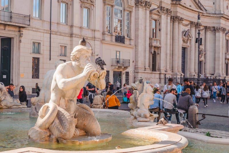 Фонтан в аркаде Navona, Риме стоковые фотографии rf