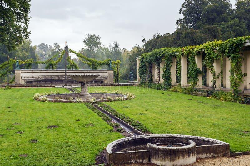 Фонтан в парке Sanssouci, Потсдаме стоковые фотографии rf