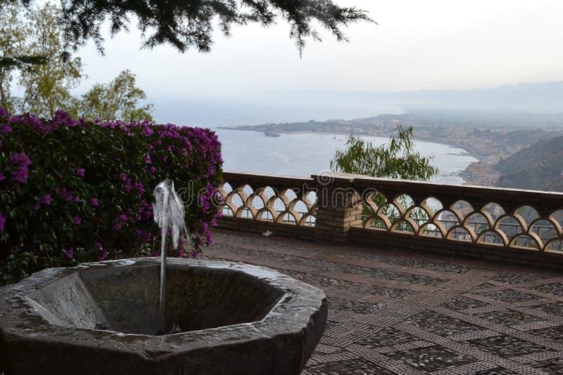 Фонтан в Сицилии стоковое фото rf