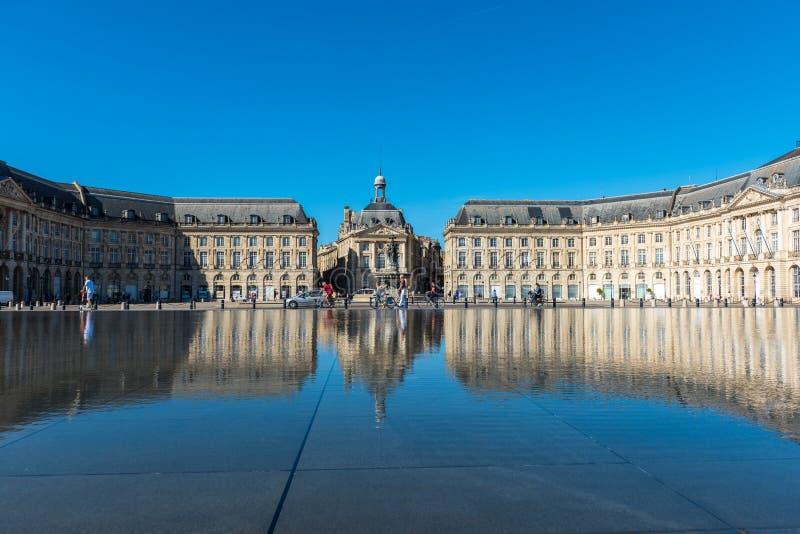 Фонтан зеркала в Бордо, Франции стоковое фото rf