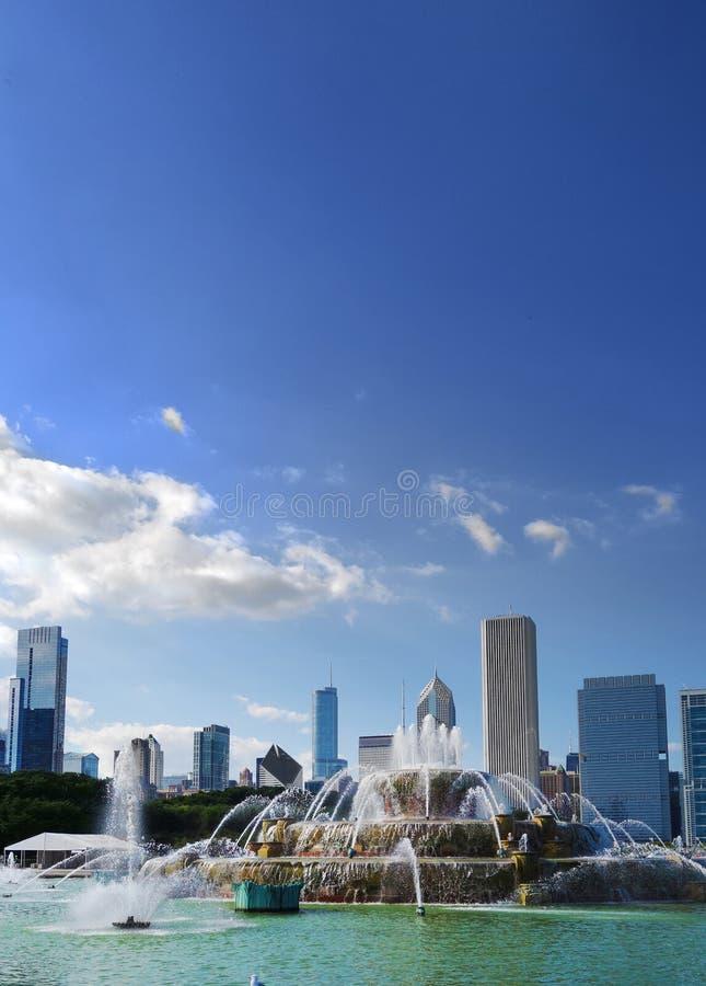 Фонтан и горизонт Чикаго стоковое фото