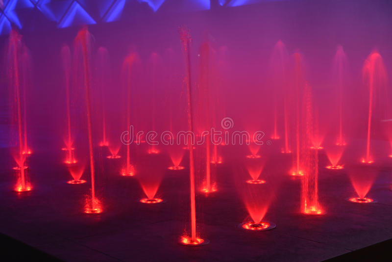 Фонтан мюзикл задвижки музыки фонтана петь фонтана музыки стоковое фото