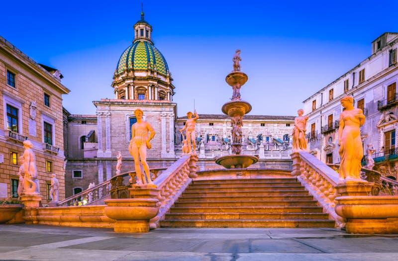 Фонтан Палермо, Претории - Сицилия, Италия стоковая фотография