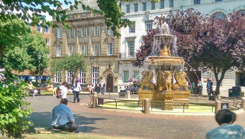 Фонтан площади ратуши Лестера стоковые изображения rf