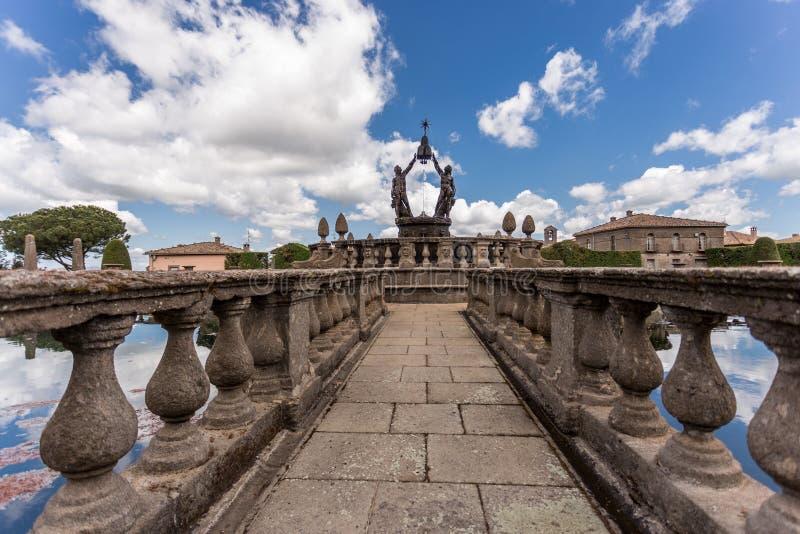 Фонтан четырех мавров в Вилла Ланте, Вилла Ланте, является удивительным садом для маннеристов недалеко от Витербо, центральная Ит стоковое изображение rf