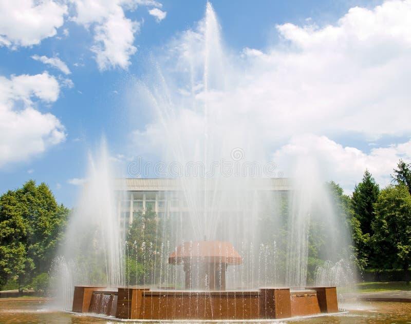 фонтан almaty стоковая фотография