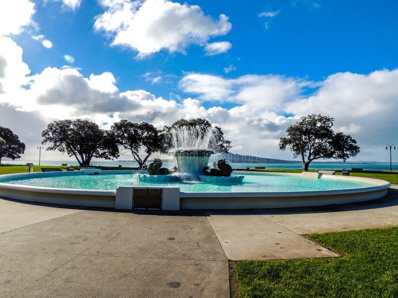 Фонтан Davis мха Trevor мемориальный, залив полета, Окленд, Новая Зеландия стоковое изображение