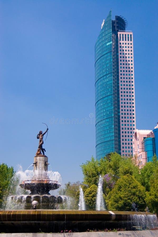 фонтан diana стоковые фотографии rf