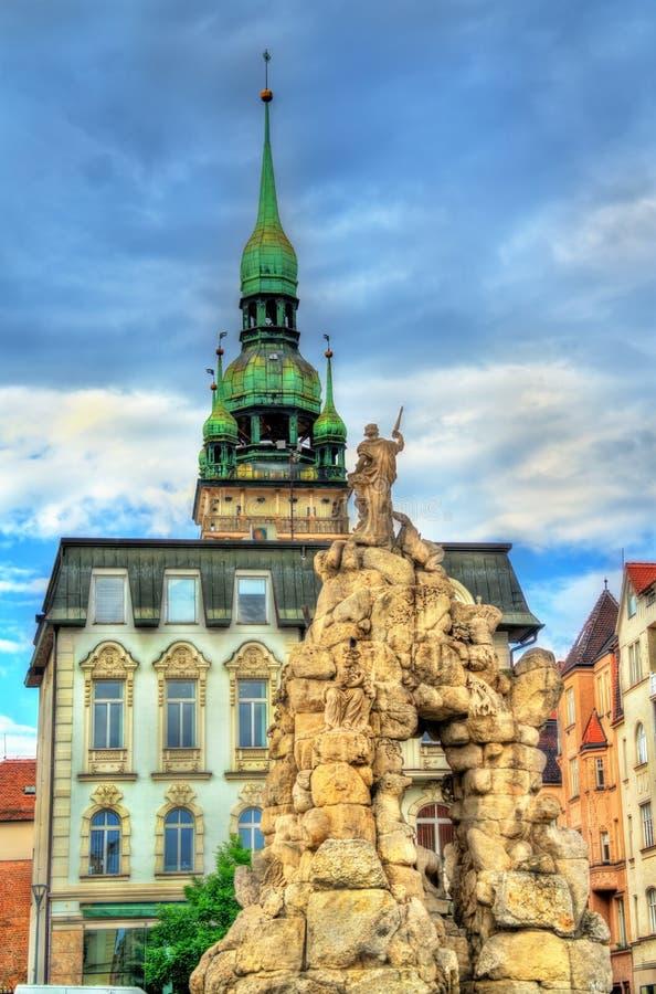 Фонтан Parnas на квадрате trh Zerny в старом городке Брна, чехии стоковое изображение