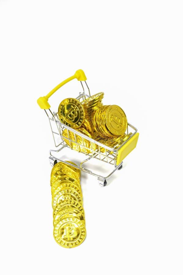 Фон электронной валюты монетки Bitcoin белый стоковые фотографии rf