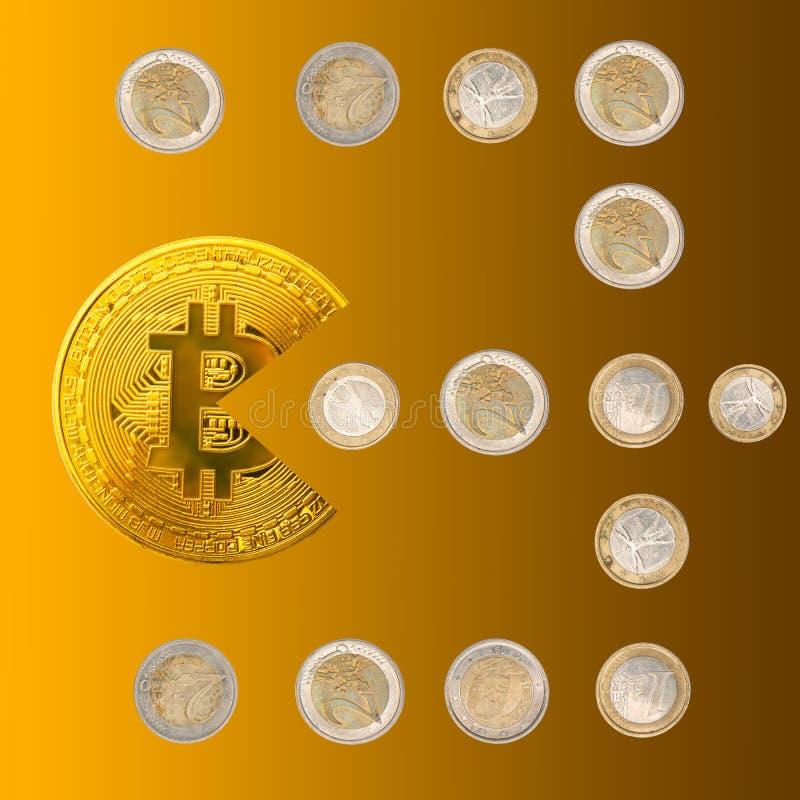 Форма pacman Bitcoin есть монетки денег евро на золоте градиента стоковые фото