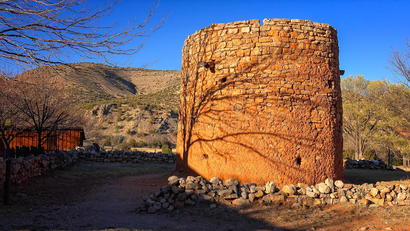 Форт башни утеса Torreon в Линкольне, Неш-Мексико стоковое изображение rf