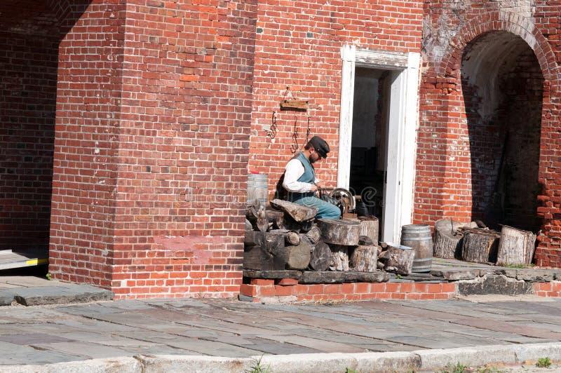 ФОРТ ГОРОД ДЕЛАВЕРА, ДЕЛАВЕРА, ДЕ- 1-ОЕ АВГУСТА: Парк штата Делавера форта, историческая крепость гражданской войны соединения ко стоковая фотография