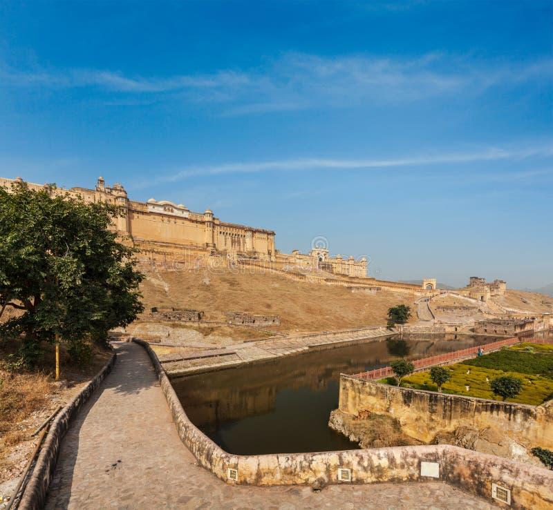 Download Форт Amer (Амбера), Раджастхан, Индия Стоковое Изображение - изображение насчитывающей ведущего, озеро: 33738051
