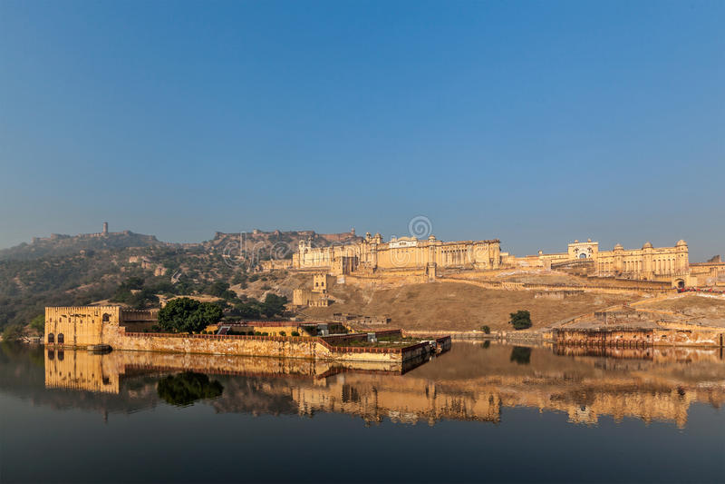 Download Форт Amer (Амбера), Раджастхан, Индия Стоковое Фото - изображение насчитывающей панорамно, вода: 33738054