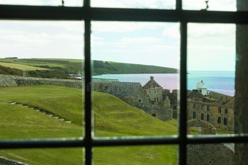 Форт St Charles через окно стоковое изображение
