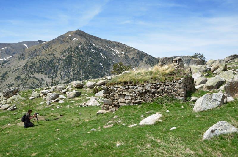 Фотографировать весной Пиренеи стоковая фотография