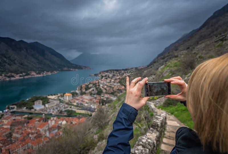 Фотографировать городок и залив Kotor стоковая фотография