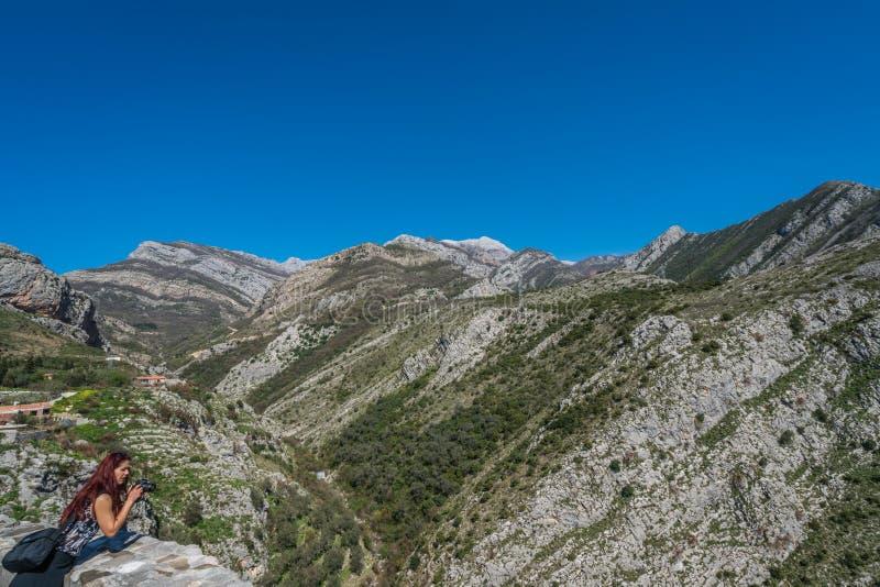 Фотографировать горы Черногории стоковая фотография rf