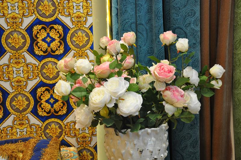 Фотография внутреннего художественного оформления, картина, натюрморт, etc красивейшие цветки стоковое фото rf