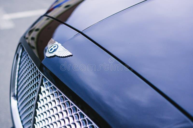 Фотография Blue Bentley Continental Gt Close стоковое фото rf