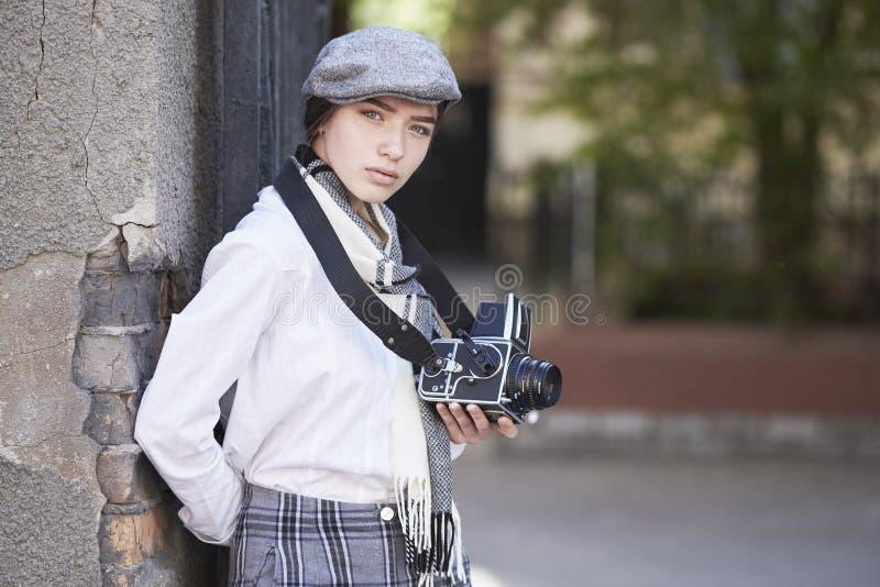 Фотограф маленькой девочки стоковое изображение rf