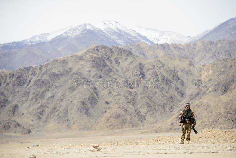 Фотограф солдата армии стоковая фотография