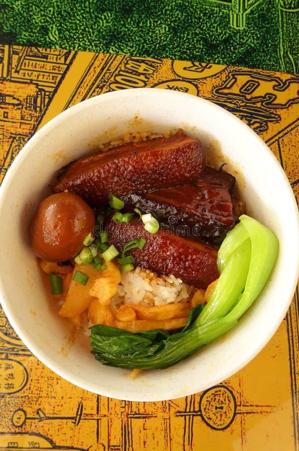 Тайваньская тарелка, потушенный живот свинины с рисом стоковые фотографии rf