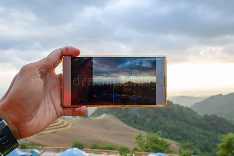 Фото гор и солнца утро в черни стоковые фотографии rf