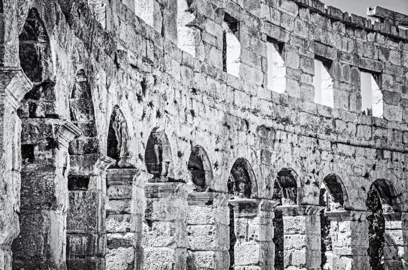 Фото детали арены пул, Istria, бесцветного стоковые фото