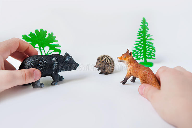 Фото игрушек животных фото игрушек диких животных стоковые фотографии rf