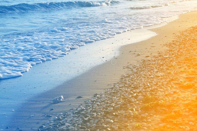 Фото красивой голубой волны стоковые изображения rf