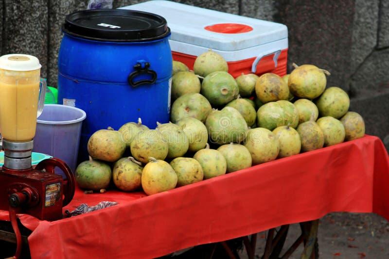 Фото магазина фруктового сока стоковая фотография