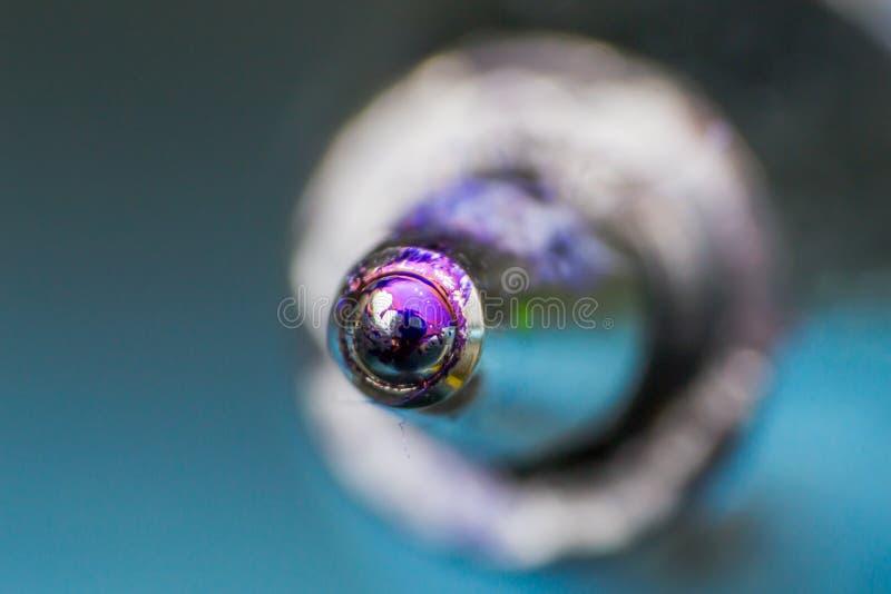 Фото макроса используемой подсказки шариковой ручки стоковые изображения rf