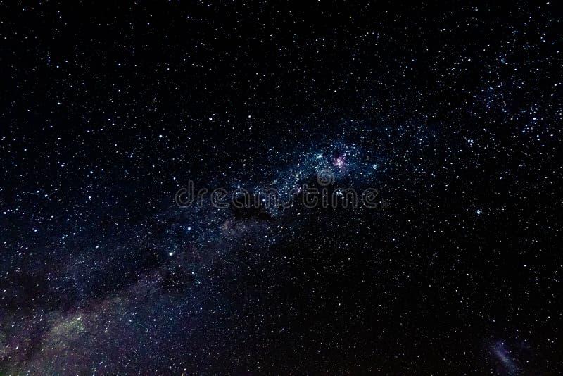 Фото неба млечного пути и галактики стоковое фото rf