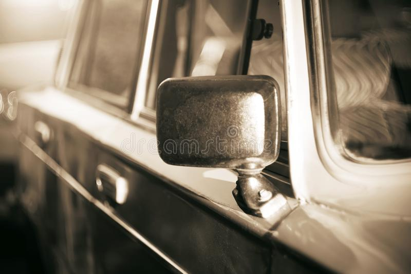 фото Одно-цвета показывая ретро автомобиль от стоковая фотография